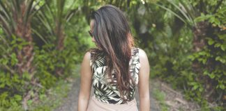 Some-Highly-Popular-Natural-Hairstyles-for-Women-on-digitaldistributionhub