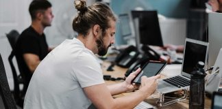 Why-Do-Remote-Programming-Jobs-and-Where-to-Find-Them-on-digitaldistributionhub