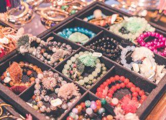 Top-5-Benefits-of-Using-Aromatherapy-Bracelets-Jewelry-on-digitaldistributionhub